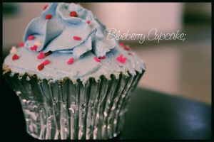 blueberry cupcake by photolatte