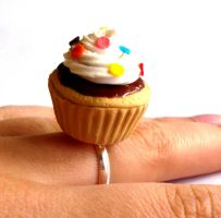 Big Kawaii Cupcake Ring by FatallyFeminine