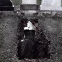 the grave by sejoous45