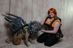 Ellie and her pet Skag Borderlands 2 Cosplay by StageHorror