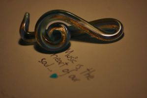Treble clef by MoonlessNightGirl