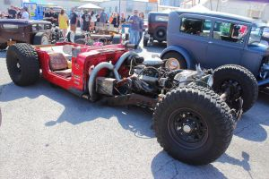 Ratty Red Jeep by DrivenByChaos