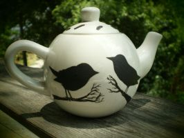 Blackbirds - Teapot by InkyDreamz