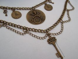 Steampunky necklace of awesome close up by Qwenbryla