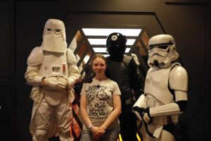 Lisa and her guards by Jhadin
