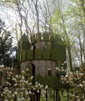 Childrens treehouse by loobyloukitty