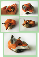 Red Fox Sculpture by Oogeepatogoa