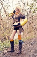 Yellow's beauty burns - Yang (RWBY) cosplay by LittleGeeky