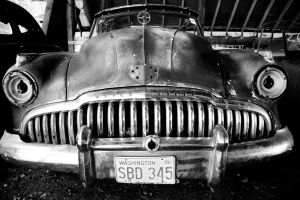 .rusted and forgotten buick. by elementalunacy