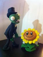 Plants v. Zombies Cake Toppers by LeluDallas