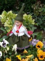 Little Daisy gnome by JanuaryGuest