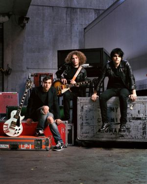 Photos du groupe - Page 2 Guitar_World_Mag__by_mtucker