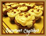 Butterbeer Cupcakes by EpicPseudonym