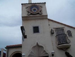 A Clock in the Port Town by Renten-Rokudo