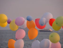 colourful baloons by aysemusellim