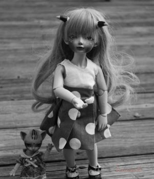 Little rich girl and her only friend by Luna-sea13