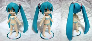 Papercraft Swimsuit Miku by qrullgx13