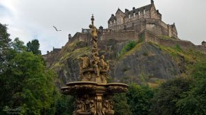 Edinburgh Castle by LunaFeles