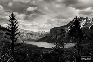 lake in the valley by torobala
