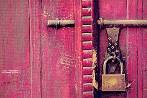 Locked Pink Door .. by 3lo0o
