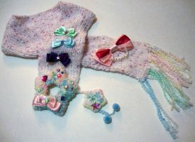 Shooting star scarf (pink) by fuzzyrice