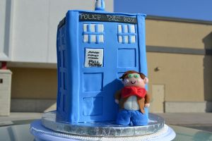 Finished tardis cake by queen382