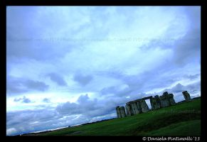 Stone Henge III by TVD-Photography