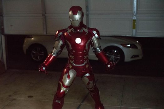 Ironman Pose Cosplay by funnaejc