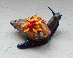 Christmas Snail by koshka741