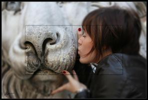 Kiss the lion by stefano283