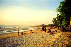 Kuta beach by Rooshoes