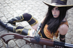 Caitlyn Cosplay: Let's do this. by MomoeHamaguchi