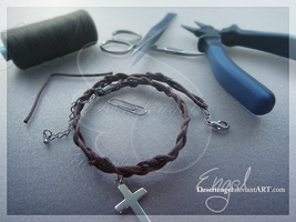 Own Made Necklace: Kreuz Band by cinyu