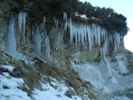 Icicles! by MonstrositiesNZ