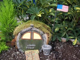 An American Hobbit Lives Here by uglygosling