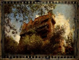 The Hollywood Tower Hotel by kh2kid