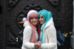 Vocaloid cosplay - Miku and Luka by sakykeuh