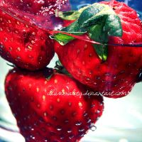 strawberries by illusionality