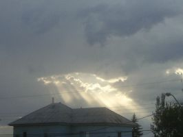 sunrays through the clouds by BlueIvyViolet