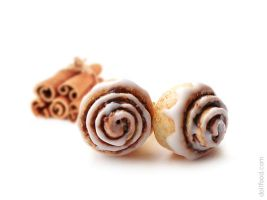 Cinnamon Roll Stud Earrings by allim-lip
