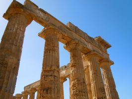 Greek Temple by palli92