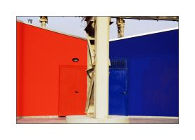Red and blue by velenux