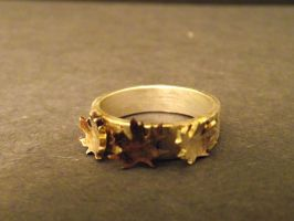Maple Leaf ring by LoveIsMyHate