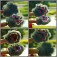 New style 4Finger Handpaw-Grey and white by DressedAllInFurWorks