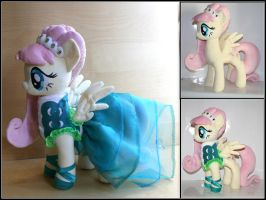 Fluttershy Fashion Model - Swarovski Crystal  MLP by Lavim