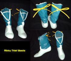 Rikku Thief boots by sizzing