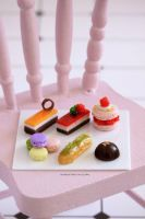 1:12 scale French dessert board by Almadejonge