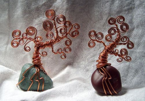 Wire desk trees by Kimantha333