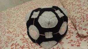 Companion Cube by YoungMun