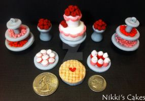 Fondant Dessert Table Mini Sculptures by Corpse-Queen